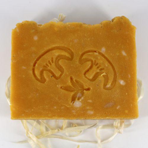 Натуральное мыло ручной работы «Лисичка и облепиха», вес 100 г
